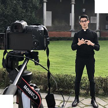 Don Alberto Ravagnani: «Vi spiego perché ho scelto i social per parlare ai giovani»